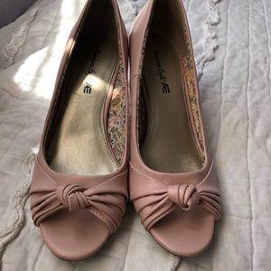 American eagle pink heels/ pumps size 7